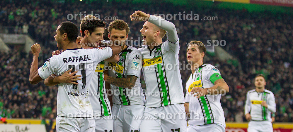 05.12.2015, Stadion im Borussia Park, Moenchengladbach, GER, 1. FBL, Borussia Moenchengladbach vs FC Bayern Muenchen, 15. Runde, im Bild vl: Raffael (Borussia Moenchengladbach #11), Lars Stindl (Borussia Moenchengladbach #13), Fabian Johnson (Borussia Moenchengladbach #19), Oscar Wendt (Borussia Moenchengladbach #17) und Granit Xhaka (Borussia Moenchengladbach #34) beim Torjubel nach dem Treffer zum 2:0 // during the German Bundesliga 15th round match between Borussia Moenchengladbach and FC Bayern Muenchen at the Stadion im Borussia Park in Moenchengladbach, Germany on 2015/12/05. EXPA Pictures &copy; 2015, PhotoCredit: EXPA/ Eibner-Pressefoto/ Sch&uuml;ler<br /> <br /> *****ATTENTION - OUT of GER*****
