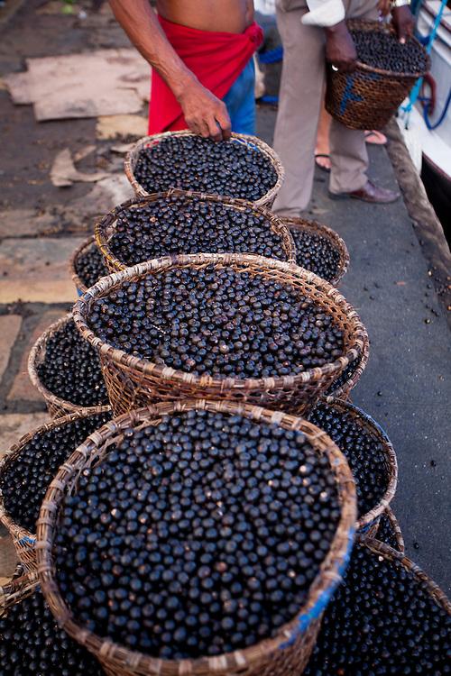 Belem_PA, Brasil..Na foto venda de acai em Belem, Para...In the photo sail of acai, in Belem, Para...Foto: JOAO MARCOS ROSA / NITRO