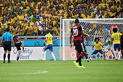 08.07.2014, Mineirao, Belo Horizonte, BRA, FIFA WM, Brasilien vs Deutschland, Halbfinale, im Bild Thomas Mueller (GER) links, erzielt das 1:0 fuer Deutschland, // during Semi Final match between Brasil and Germany of the FIFA Worldcup Brazil 2014 at the Mineirao in Belo Horizonte, Brazil on 2014/07/08. EXPA Pictures © 2014, PhotoCredit: EXPA/ Eibner-Pressefoto/ Cezaro<br /> <br /> *****ATTENTION - OUT of GER*****