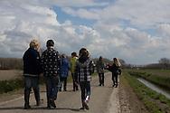 In het kader van het kunst- en cultuurprogramma Sterrenkijker volgden zo´n 25 leerlingen (11/12 jaar) van groep 8 van cbs De Skeakel uit Sexbierum een fotoworkshop natuurfotografie bij natuurfotograaf Meindert van Dijk. Het thema van de workshop was 'detailfotografie' en vond plaats in en nabij het 'Sexbierumerbos', de houtsingel met wandelpad rond Liauckama State te Sexbierum. Een selectie van de beste foto's wordt later tentoongesteld in Museum Martena te Franeker.