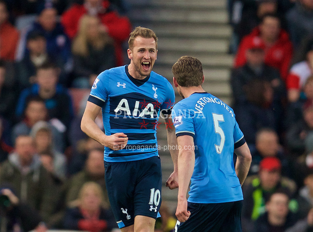 STOKE-ON-TRENT, ENGLAND - Monday, April 18, 2016: Tottenham Hotspur's Harry Kane celebrates scoring the first goal against Stoke City during the FA Premier League match at the Britannia Stadium. (Pic by David Rawcliffe/Propaganda)