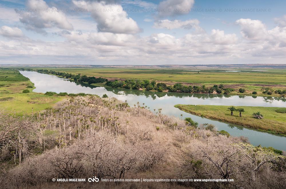 O rio Kwanza (Cuanza) e o Párque Nacional da Kissama (Quiçama). Província do Bengo. Angola