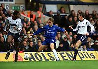 Fotball: Jesper Grønkjær / Groenkjaer (Chelsea) takes on Anthony Gardner and Darren Anderton (Tottenham). Tottenham Hotspur v Chelsea. FA Cup 6th Round, 10.03.2002.<br /> Foto: Andrew Cowie, Digitalsport.