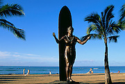 Duke Kahanamoku Statue, Waikiki, Oahu, Hawaii, USA<br />
