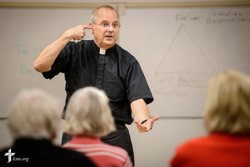 The Rev. Wally Arp, senior pastor of St. Luke's Lutheran Church, leads Bible class following services on Sunday, March 6, 2016, in Oviedo, Fla. LCMS Communications/Erik M. Lunsford