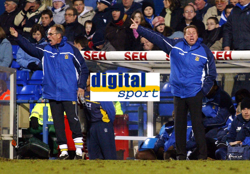 Photo: Chris Ratcliffe.<br />Ipswich Town v Portsmouth. The FA Cup. 07/01/2006.<br />Harry Redknapp (R) and Joe Jordan encourgae their team on.