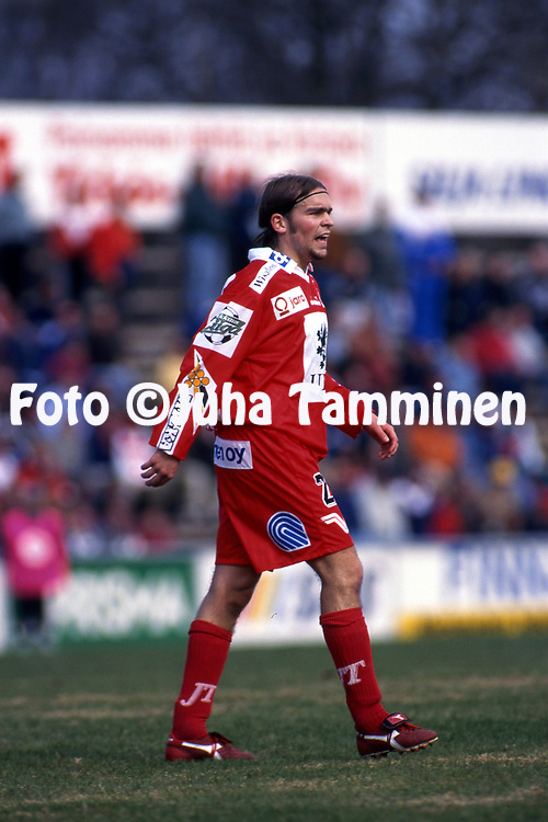 8.5.1997, Hietalahti, Vaasa.<br /> Veikkausliiga 1997.<br /> Vaasan Palloseura - FF Jaro.<br /> Henrik Friberg - FF Jaro