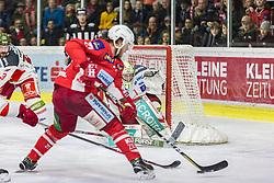 22.03.2019, Stadthalle, Klagenfurt, AUT, EBEL, EC KAC vs HCB Suedtirol Alperia, Viertelfinale, 5. Spiel, im Bild Thomas HUNDERTPFUND (EC KAC, #27), Paul GEIGER (HCB Suedtirol Alperia, #3), Jacob SMITH (HCB Suedtirol Alperia, #1) // during the Erste Bank Icehockey 5th quarterfinal match between EC KAC and HCB Suedtirol Alperia at the Stadthalle in Klagenfurt, Austria on 2019/03/22. EXPA Pictures © 2019, PhotoCredit: EXPA/ Gert Steinthaler