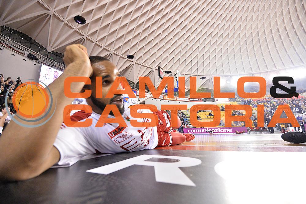 DESCRIZIONE : Roma Lega A 2014-15 Acea Virtus Roma Emporio Armani Milano<br /> GIOCATORE : Samardo Samuels<br /> CATEGORIA : pre game<br /> SQUADRA : Acea Virtus Roma Emporio Armani Milano<br /> EVENTO : Campionato Lega Serie A 2014-2015<br /> GARA : Acea Virtus Roma Varese<br /> DATA : 21.12.2014<br /> SPORT : Pallacanestro <br /> AUTORE : Agenzia Ciamillo-Castoria/M.Greco<br /> Galleria : Lega Basket A 2014-2015 <br /> Fotonotizia : Roma Lega A 2014-15 Acea Virtus Roma Emporio Armani Milano