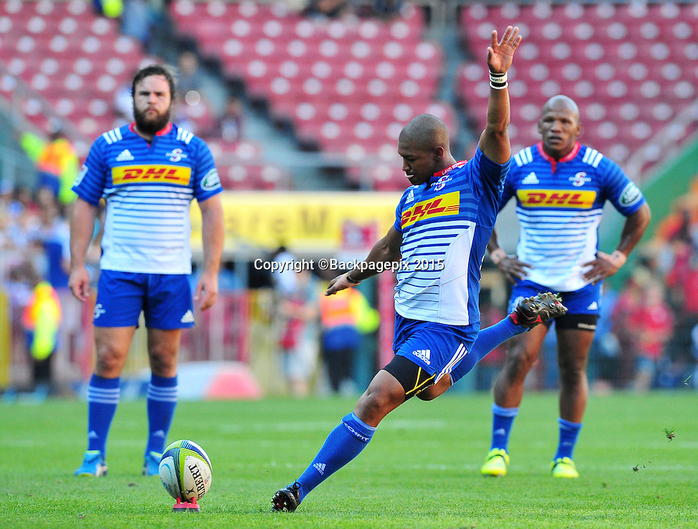 Kurt Coleman of the Stormers converts a penalty during the 2016 Super Rugby match between the Stormers and the Sharks at Newlands Stadium, Cape Town on 12 March 2016 ©Ryan Wilkisky/BackpagePix
