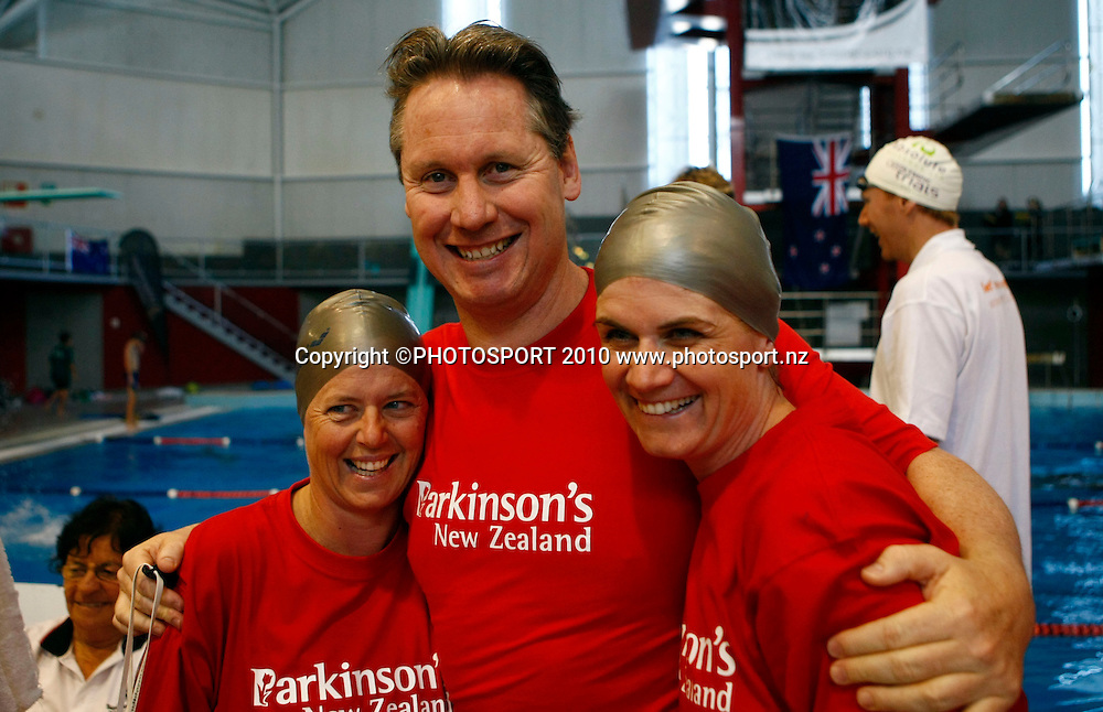 Legends of New Zealand Swimming Melanie Jones (L), Anthony Mosse and Sharon Falvey before the Charity Race. . Swimming, National Open Championships, West Wave Aquatic Centre, Auckland. Saturday 10 April 2010. Photo: Simon Watts/PHOTOSPORT
