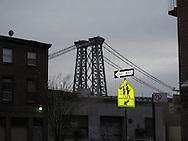 New York .williamsburg bridge  crossing the east river from Manhattan to  Brooklyn   New York, Brooklyn - United states  / le pont de Williamsburg sur l east river entre Manhattan et Brooklyn, New York - Etats unis