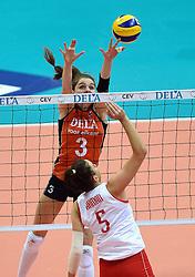 03-10-2015 NED: Volleyball European Championship Semi Final Nederland - Turkije, Rotterdam<br /> Nederland verslaat Turkije in de halve finale met ruime cijfers 3-0 / Yvon Belien #3