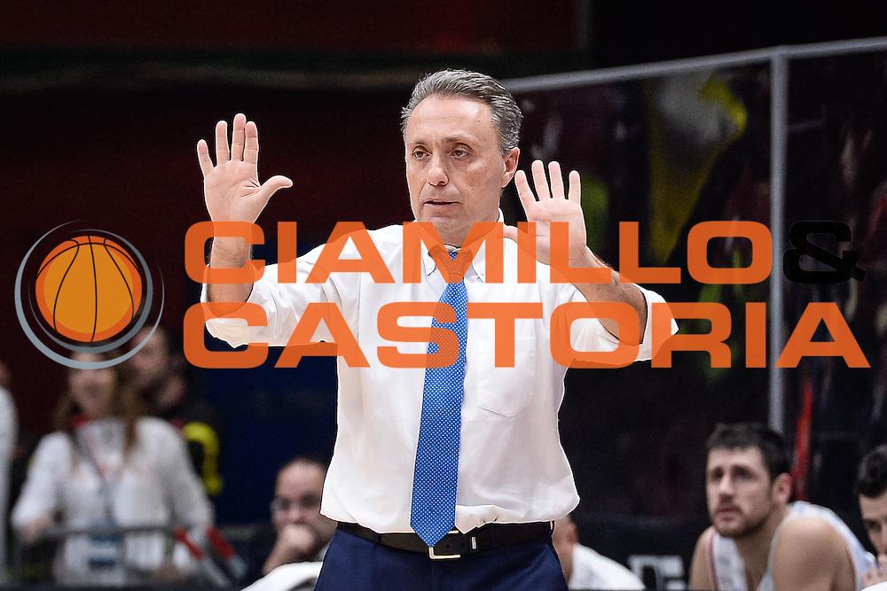 DESCRIZIONE : Milano Lega A 2015-16 <br /> GIOCATORE : Piero Bucchi<br /> CATEGORIA : Allenatore Coach<br /> SQUADRA : Enel Brindisi<br /> EVENTO : Campionato Lega A 2015-2016<br /> GARA : Olimpia EA7 Emporio Armani Milano Enel Brindisi<br /> DATA : 20/12/2015<br /> SPORT : Pallacanestro<br /> AUTORE : Agenzia Ciamillo-Castoria/M.Ozbot<br /> Galleria : Lega Basket A 2015-2016 <br /> Fotonotizia: Milano Lega A 2015-16