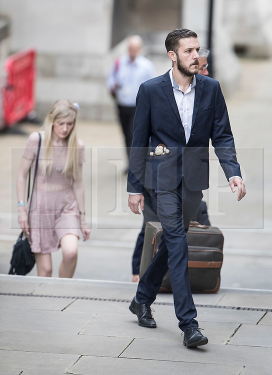 © Licensed to London News Pictures. 13/07/2017. London, UK. Connie Yates and Chris Gard arrive at The High Court in London. The parents of terminally ill Charlie Gard have returned to the High Court in light of new evidence relating to potential treatment for their son's condition. An earlier lengthy legal battle ruled that Charlie could not be taken to the US for experimental treatment. London, UK. Photo credit: Peter Macdiarmid/LNP