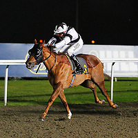 Primaeval and Jamie Spencer winning the 7.10 race