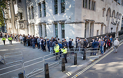 © Licensed to London News Pictures. 17/09/2019. London, UK. The queue for entry to The Supreme Court snakes around the building. Today the court will start hearing appeals against Scottish and English courts decisions on the government's proroguing of Parliament. Photo credit: Peter Macdiarmid/LNP