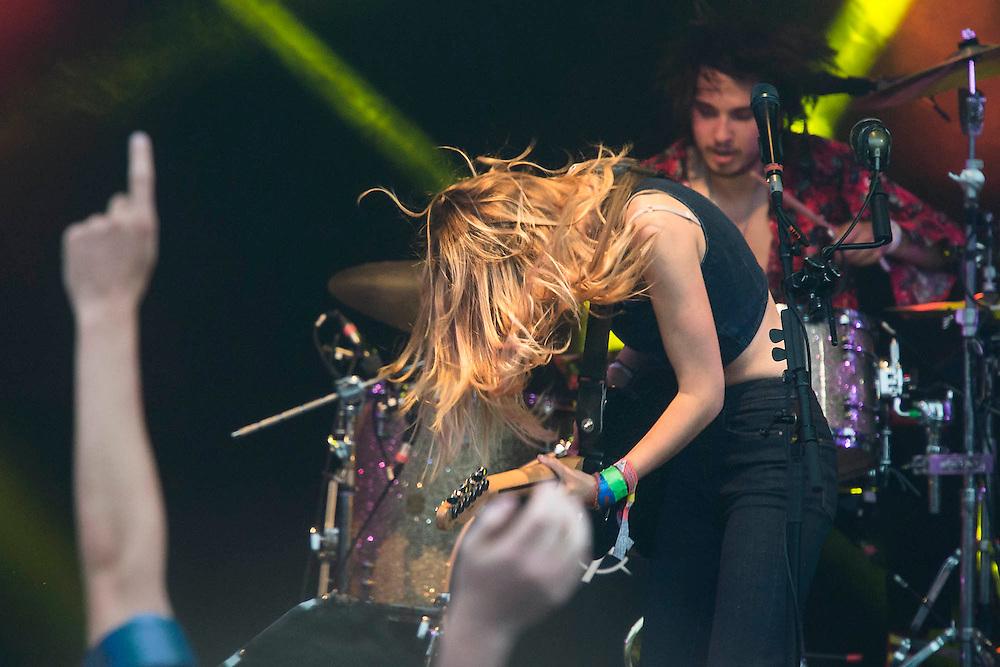 Wolf Alice play the Park Stage. The 2015 Glastonbury Festival, Worthy Farm, Glastonbury.