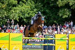 BEERBAUM Ludger (GER), Cool Feeling<br /> Hamburg - 90. Deutsches Spring- und Dressur Derby 2019<br /> LONGINES GLOBAL CHAMPIONS TOUR Grand Prix of Hamburg<br /> CSI5* Springprüfung mit Stechen <br /> Wertungsprüfung für die LGCT, 6. Etappe<br /> 01. Juni 2019<br /> © www.sportfotos-lafrentz.de/Stefan Lafrentz