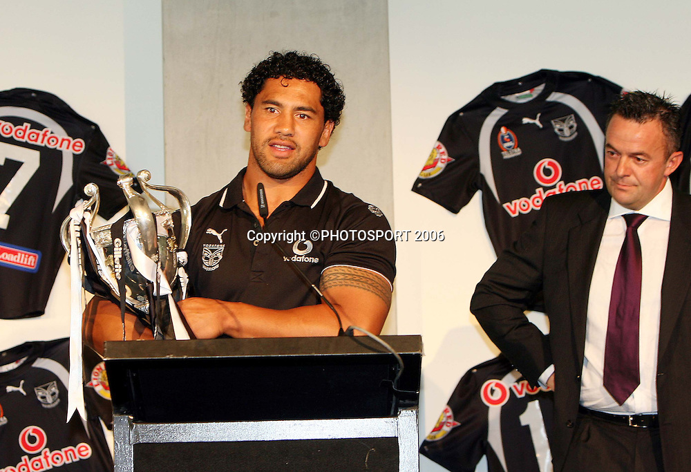Warriors vice captain and Kiwi captain Ruben Wiki speaks during the Vodafone Warriors Captains lunch held at Ericsson Stadium, Auckland, on Tuesday 7 March, 2006. Photo: Renee McKay/PHOTOSPORT<br />