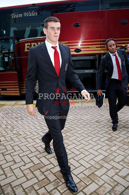 CARDIFF, WALES - Wednesday, August 14, 2013: Wales' Gareth Bale arrives for the International Friendly against Republic of Ireland at the Cardiff City Stadium. (Pic by David Rawcliffe/Propaganda)