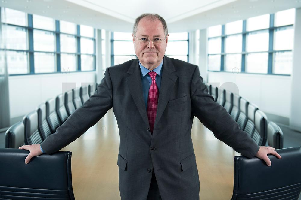 01 FEB 2013, BERLIN/GERMANY:<br /> Peer Steinbrueck, SPD Kanzlerkandidat und Bundesminsiter a.D., Sitzungssaal in der Spitze, 6. Stock, der ehem. Sitzungsaal für das SPD Praesdium, Willy-Brandt-Haus<br /> IMAGE: 20130201-01-005<br /> KEYWORDS: Peer Steinbrück