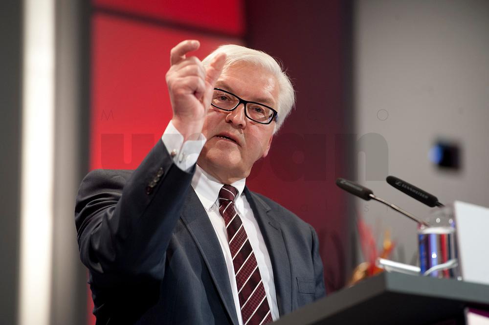 11 JAN 2011, KOELN/GERMANY:<br /> Frank-Walter Steinmeier, SPD Fraktionsvorsitzender, waehrend seiner Rede, 52. Jahrestagung dbb beamtenbund und tarifunion, Congress-Centrum Nord Koelnmesse<br /> IMAGE: 20110111-01-112<br /> KEYWORDS: Köln