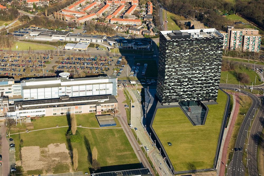 Nederland, Gelderland, Nijmegen, 11-02-2008; stadsdeel De Goffert met kantoorgebouw FiftyTwoDegrees, ontworpen door Mecanoo Architecten; deelnemers in het project Stadsregio Arnhem - Nijmegen / het gebouw: NXP, Ballast Nedam, ICE ontwikkeling, Royal Haskoning, Compass Group, Regus; NXP Semiconductor,  fabricant van halfgeleiders (voorheen Philips) is belangrijkste huurder  van deze kantoortoren aan het Jonkerbosplein; Fifty Two Degrees, 52 graden..luchtfoto (toeslag); aerial photo (additional fee required); .foto Siebe Swart / photo Siebe Swart