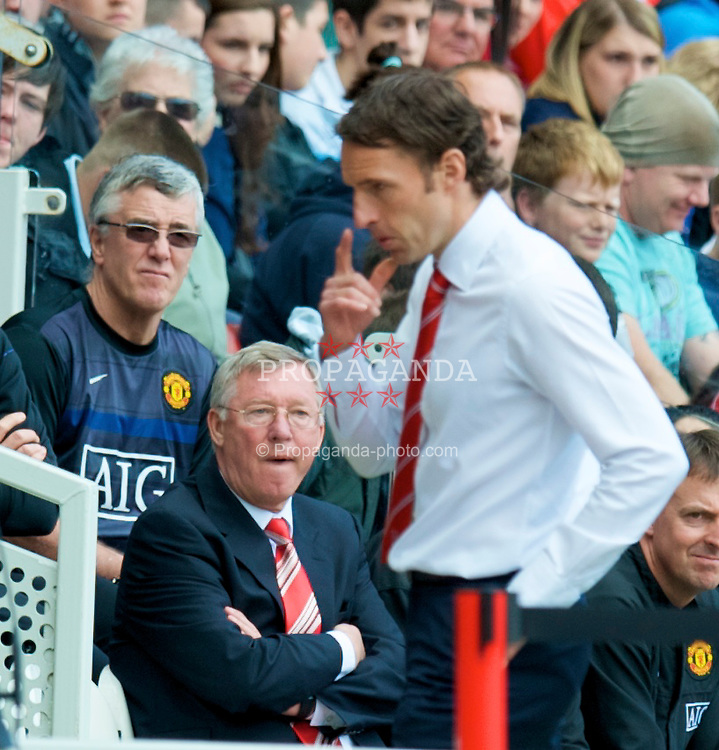 MIDDLESBROUGH, ENGLAND - Saturday, May 2, 2009: Manchester United's manager Alex Ferguson and Middlesbrough's manager Gareth Southgate during the Premiership match at the Riverside Stadium. (Pic by David Rawcliffe/Propaganda)