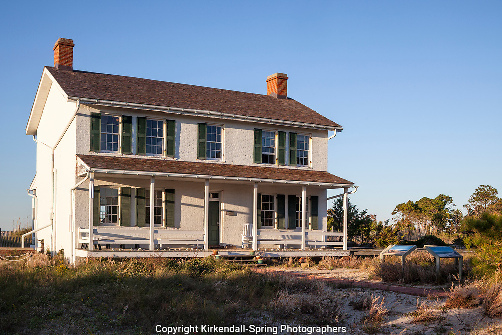 NC00867-00...NORTH CAROLINA - Lighthouse keepers house at Cape Lookout National Seashore on the South Core Banks.