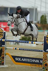 Lemmer, Oliver, Clear Lady<br /> Hagen - Horses and Dreams 2013<br /> Mittlere Tour<br /> © www.sportfotos-lafrentz.de/Stefan Lafrentz