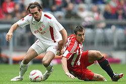 25.09.2010, Allianz Arena, Muenchen, GER, 1.FBL, FC Bayern Muenchen vs 1. FSV Mainz 05, im Bild Christian Fuchs (Mainz #22) und Miroslav Klose (Bayern #18)  , EXPA Pictures © 2010, PhotoCredit: EXPA/ nph/  Straubmeier+++++ ATTENTION - OUT OF GER +++++ / SPORTIDA PHOTO AGENCY