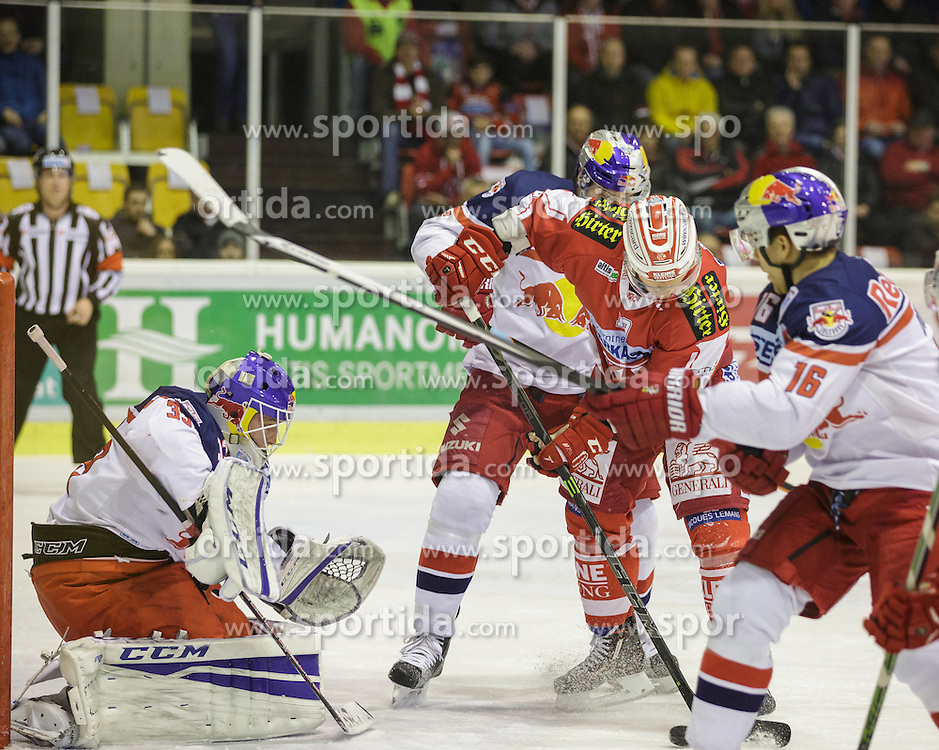 28.02.2016, Stadthalle, Klagenfurt, AUT, EBEL, EC KAC vs EC Red Bull Salzburg, Viertelfinale, 2. Spiel, im Bild Luka Gracnar EC (Red Bull Salzburg #33), Stefan Geier (EC KAC, #19), Ryan Duncan (Red Bull Salzburg #16), Matthias Tranig (Red Bull Salzburg #51)// during the Erste Bank Icehockey League 2nd quarterfinal match between EC KAC and EC Red Bull Salzburg at the City Hall in Klagenfurt, Austria on 2016/02/28. EXPA Pictures © 2016, PhotoCredit: EXPA/ Gert Steinthaler