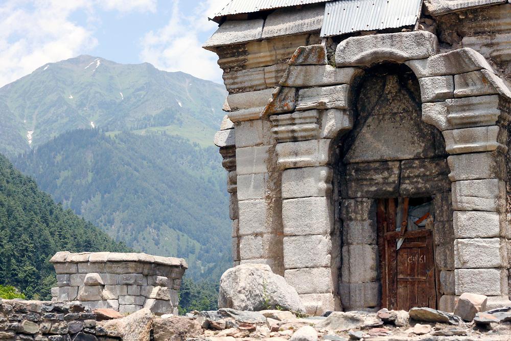 Ancient Hindu temple, Naranag village, Kashmir Valley, Northern India 2009-07-11.<br />