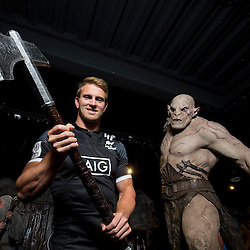All Blacks Sevens captain Scott Curry poses with The Hobbit character Azog the Orc during the Wellington Sevens captains' photo opportunity at Weta Workshop in Wellington, New Zealand on Thursday, 26 January 2017. Photo: Hagen Hopkins / lintottphoto.co.nz