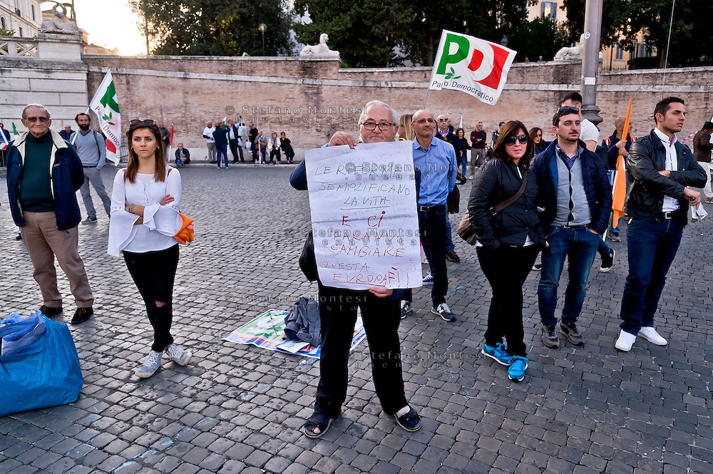 ROME, ITALY - OCTOBER 29:  Manifestation of the Democratic Party  for the 'YES to Referendum' on the Constitutional Reform gather in  Popolo Square on October 29, 2016 in Rome, Italy. The referendum will be held on December 4, 2016 (Photo by Stefano Montesi)