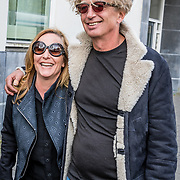 """NLD/Amsterdam/20170413 - boekpresentatie """"Buurman, wat doet u nu"""", Angela Groothuizen en partner Rob Mooij"""