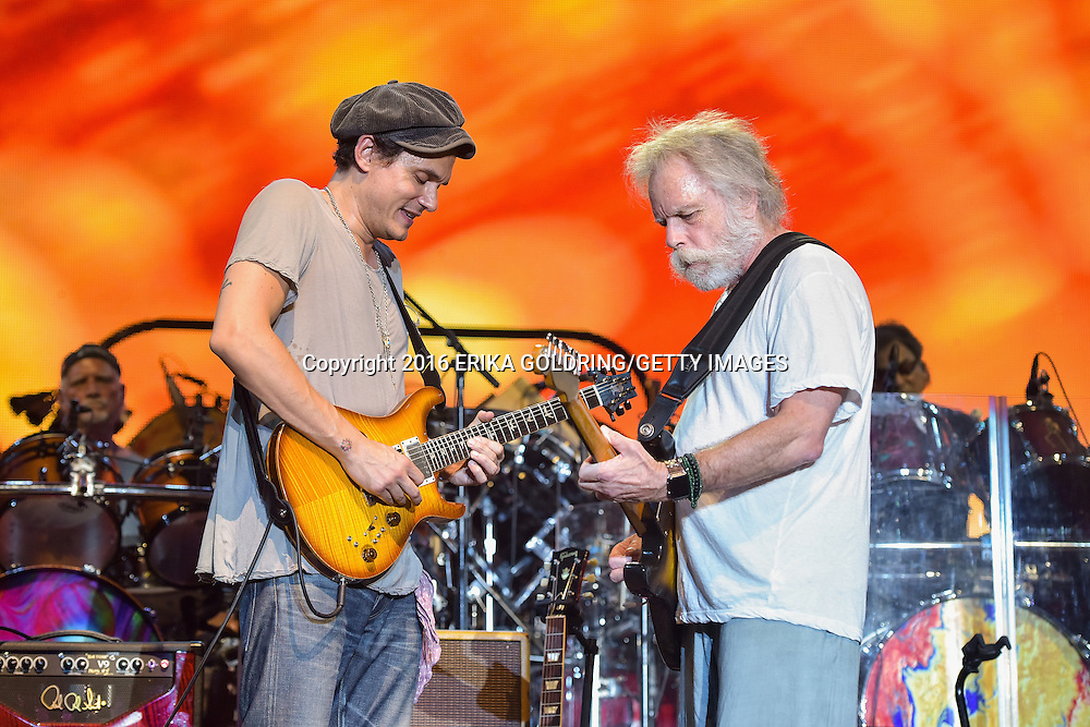 MANCHESTER, TN - JUNE 12:  (L-R) Bill Kreutzmann, John Mayer, Bob Weir and Mickey Hart of Dead & Company perform on June 12, 2016 in Manchester, Tennessee.  (Photo by Erika Goldring/Getty Images) *** Local Caption *** Bill Kreutzmann; John Mayer; Bob Weir; Mickey Hart