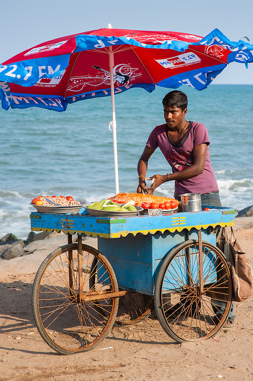 Fruit selling trolley by the sea at Puducherry (India)