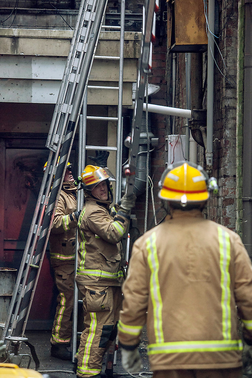 Queen Street was blocked as fire crews dealt with a fire from a pizza oven as smoke speed through out the multi storey building, Auckland, New Zealand, Wednesday, November 06, 2013. Credit:SNPA / Bradley Ambrose