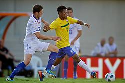 Robinho durante o jogo amistoso entre as seleções de Brasil e Hoalnda no estádio Arena da Baixada, em Goiânia, Brasil, em 04 de junho de 2011. FOTO: Jefferson Bernardes/Preview.com