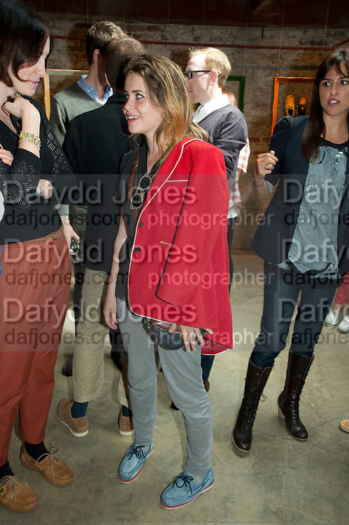 BILLIE JD PORTER, Design Your Own Timberland breakfast and Autumn/ Winter 2011 preview. Timberland. 1 Fournier St. London. Followed by an art tour by Julia Royce. 8 June 2011. <br /> <br />  , -DO NOT ARCHIVE-© Copyright Photograph by Dafydd Jones. 248 Clapham Rd. London SW9 0PZ. Tel 0207 820 0771. www.dafjones.com.