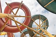 Villaggio Coppola - Il parco acquatico di villaggio Coppola sul litorale domizio. Il parco è stato smantellato definitivamente qualche anno fa. Gli scivoli erano uno dei simboli di quello che sarebbe potuto essere il Villaggio Coppola.