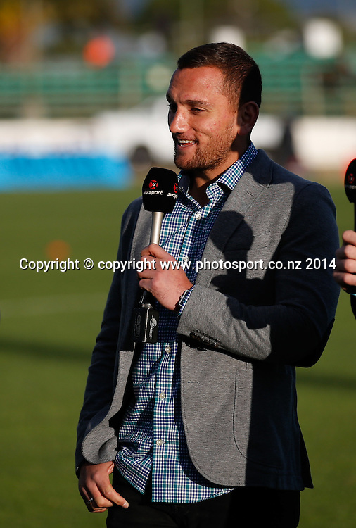 Aaron Cruden. ITM Cup Championship Rugby Final, Manawatu Turbo's v Hawkes Bay Magpies, FMG Stadium, Palmerston North, New Zealand. Friday, 24 October, 2014. Photo: John Cowpland / photosport.co.nz