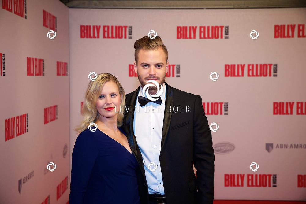 DEN HAAG - In het Afas Theater is de Nederlandse Premiere van Billy Eliot. Met hier op de foto  Jim Bakkum met partner Bettina Holwerda (Zwanger). FOTO LEVIN DEN BOER - PERSFOTO.NU
