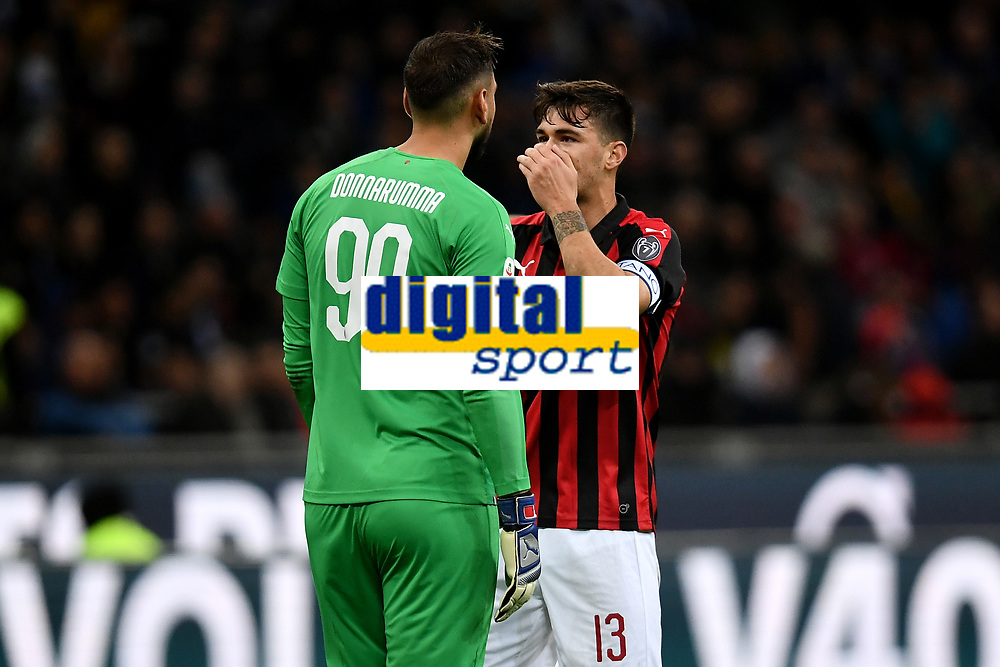 Gianluigi Donnarumma and Alessio of AS Romagnoli of AC Milan talk during the Serie A 2018/2019 football match between Fc Internazionale and AC Milan at Giuseppe Meazza stadium Allianz Stadium, Milano, October, 21, 2018 <br />  Foto Andrea Staccioli / Insidefoto