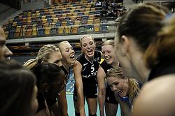 03-10-2010 VOLLEYBAL: SUPERCUP TVC AMSTELVEEN - KINDERCENTRUM ALTERNO: APELDOORN<br /> Amstelveen wint met 3-1 van Alterno / 6. Ester de Vries, 12. Femke Stoltenberg, 5. Judith Pieterse en 2. Judith Blansjaar<br /> &copy;2010-WWW.FOTOHOOGENDOORN.NL