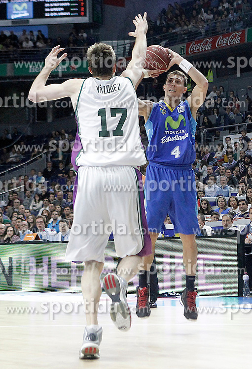 12.04.2015, Palacio de los Deportes, Madrid, ESP, Liga ACB, Real Madrid vs FC Barcelona, im Bild Movistar Estudiantes' Fede Van Lacke (r) and Unicaja's Fran Vazquez // during Liga Endesa ACB match between Real Madrid and FC Barcelona at the Palacio de los Deportes in Madrid, Spain on 2015/04/12. EXPA Pictures &copy; 2015, PhotoCredit: EXPA/ Alterphotos/ Acero<br /> <br /> *****ATTENTION - OUT of ESP, SUI*****