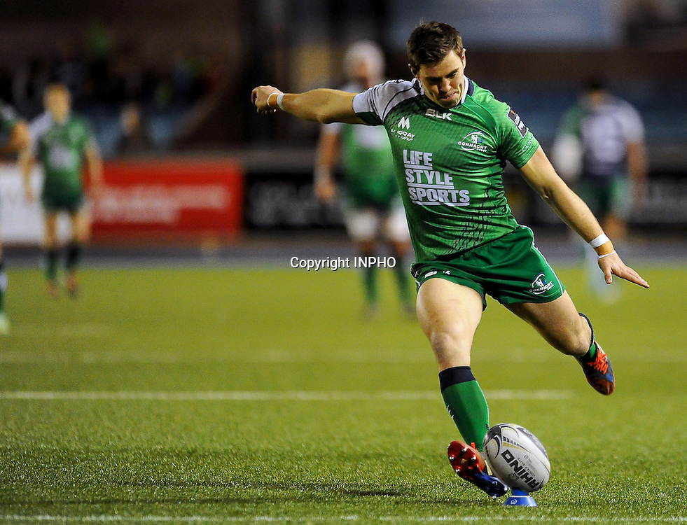 Guinness PRO12, BT Sport Cardiff Arms Park, Wales 6/3/2015<br /> Cardiff Blues vs Connacht<br /> Connacht's Craig Ronaldson converts his side's first try<br /> Mandatory Credit &copy;INPHO/Craig Thomas