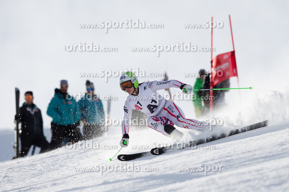 19.10.2012, Rettenbachferner, Soelden, AUT, OeSV, interne Qualifikationslauefe, im Bild Anna Fenninger (AUT) // Anna Fenninger of Austria during Qualifying of the Austrian Ski Team 'OeSV' at Rettenbachferner in Soelden, Austria on 2012/10/19. EXPA Pictures © 2012, PhotoCredit: EXPA/ J. Groder